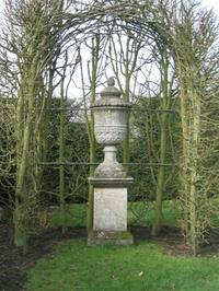 Berkshire_botan_stone_vase_small